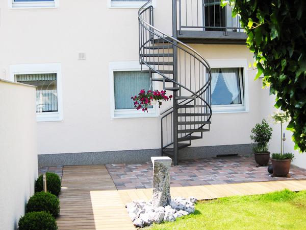 Außentreppe Baugenehmigung Nrw : ihr fachmann f r aussentreppen mit gitterroststufen im ~ Lizthompson.info Haus und Dekorationen